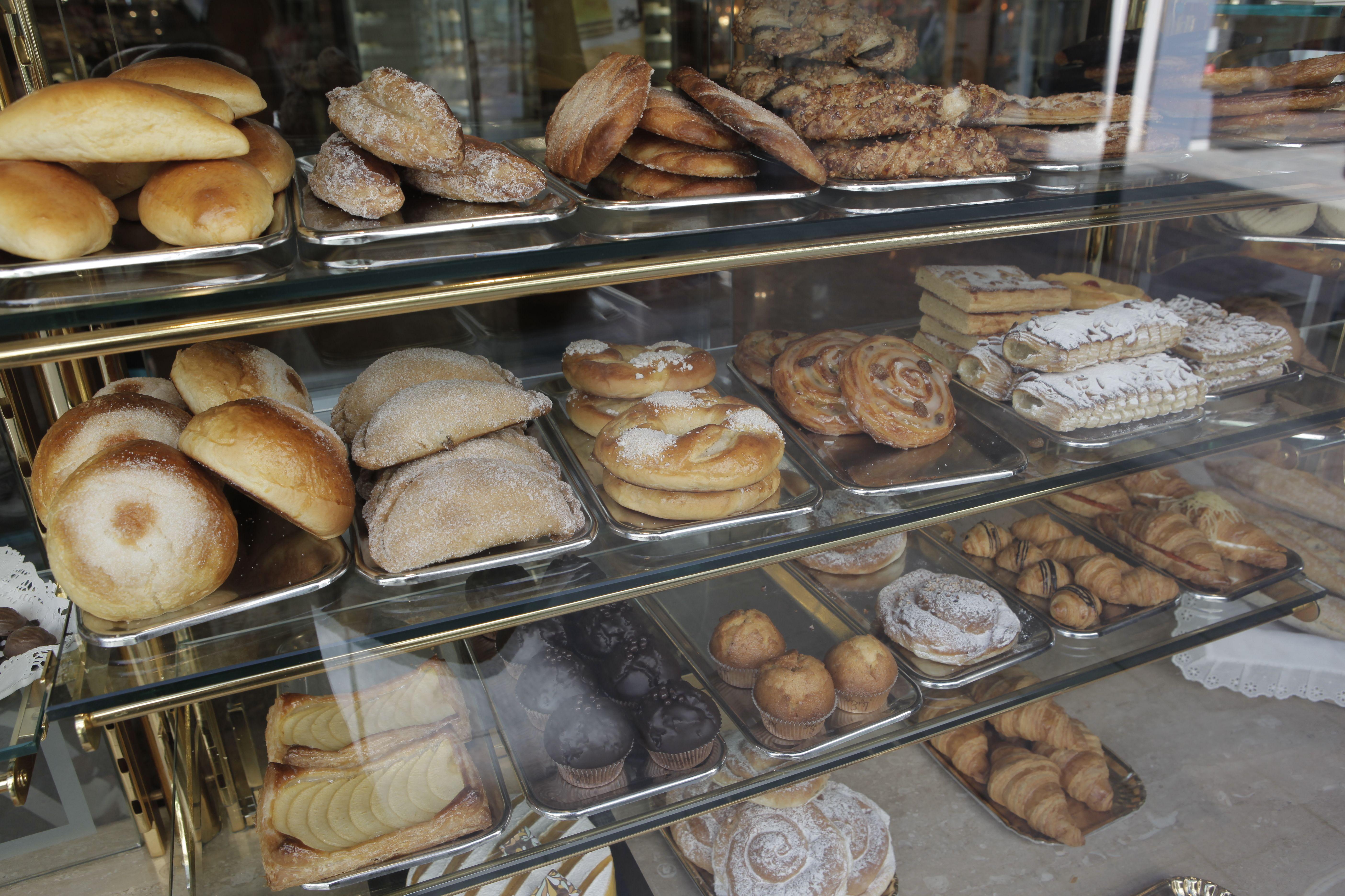 A la pastisseria Sàbat trobareu tot tipus de dolços FOTO: Arxiu
