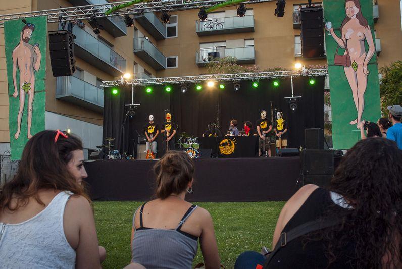 La Festa Major Alternativa el 2015 se celebrava als Jardins de la Penya Regalèssia FOTOS: Aïda Sotelo