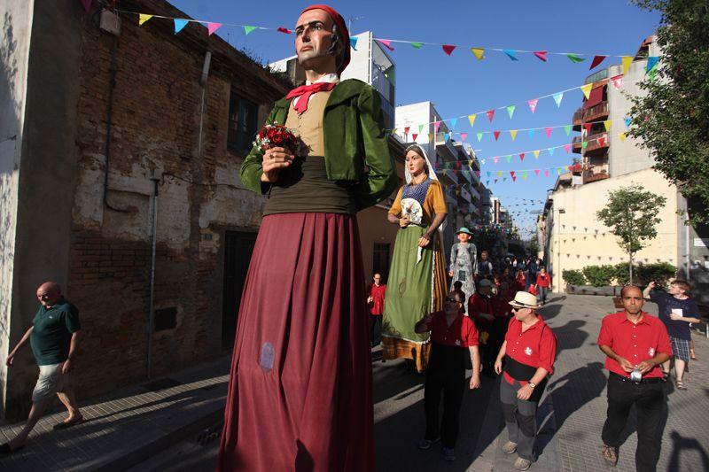 Inici de Festa Major amb el seguici i el pregó a càrrec de Joan Pahisa. FOTOS: Lali Puig