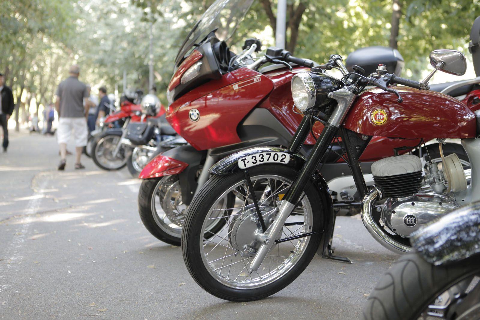 Concentració motos darrere les Pistes de Sant Francesc. FOTO: Artur Ribera