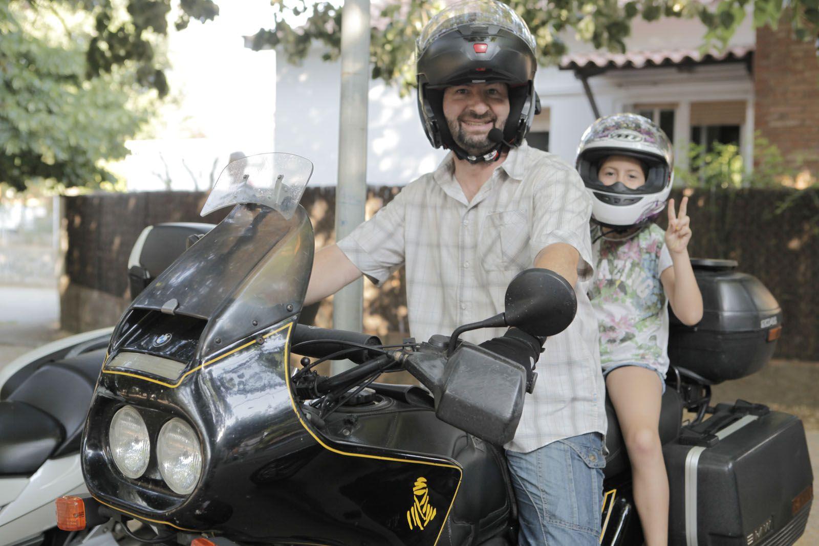 Sortida de la concentració de motos darrere les Pistes de Sant Francesc. FOTO: Artur Ribera