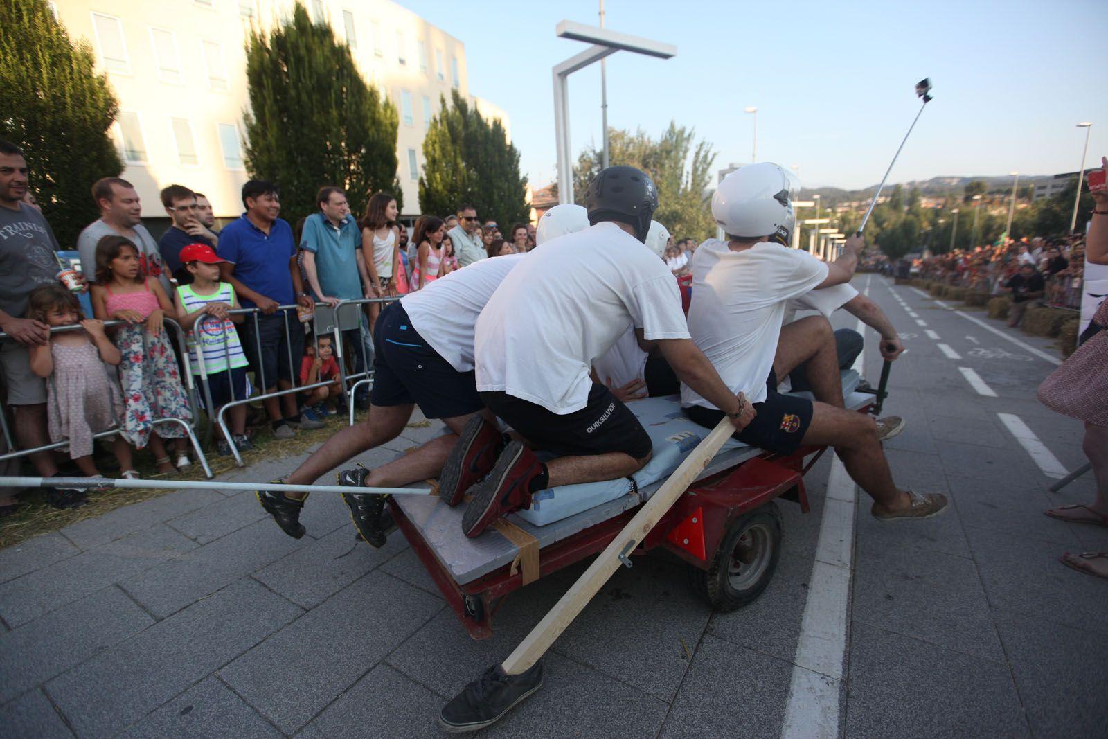 Llitboard: baixada de carros a l'Avinguda Francesc Macià. FOTOS: Lali Puig