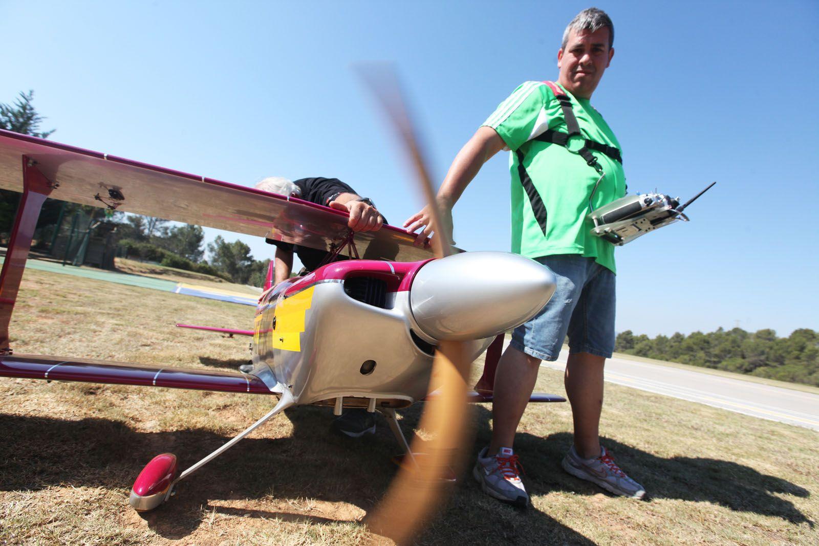Festa del Cel d'aeromodelisme al Camp de Vol de Can Graells. FOTOS: Lali Puig