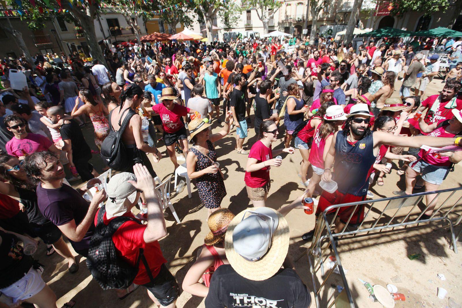 El 35è Concurs d'arrossos va fer que la Plaça de Barcelona es quedés petita  FOTO: Lali Puig