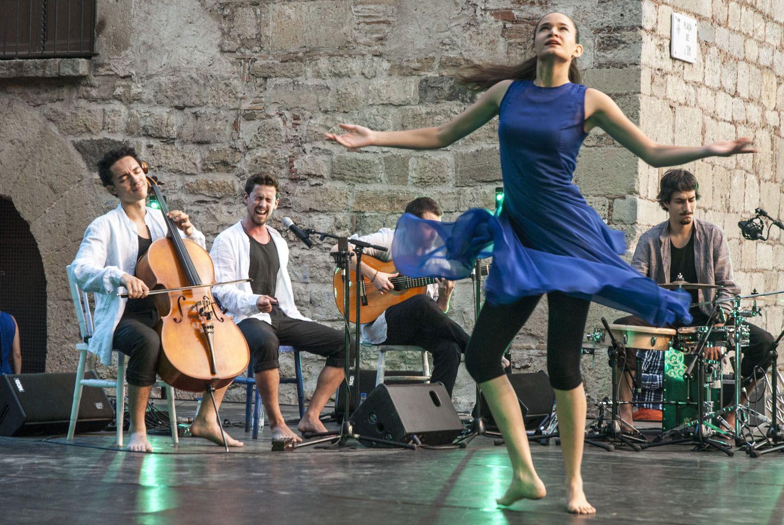 La dansa ha captivat a l'escenari de la plaça de l'Om. FOTO: Aida Sotelo