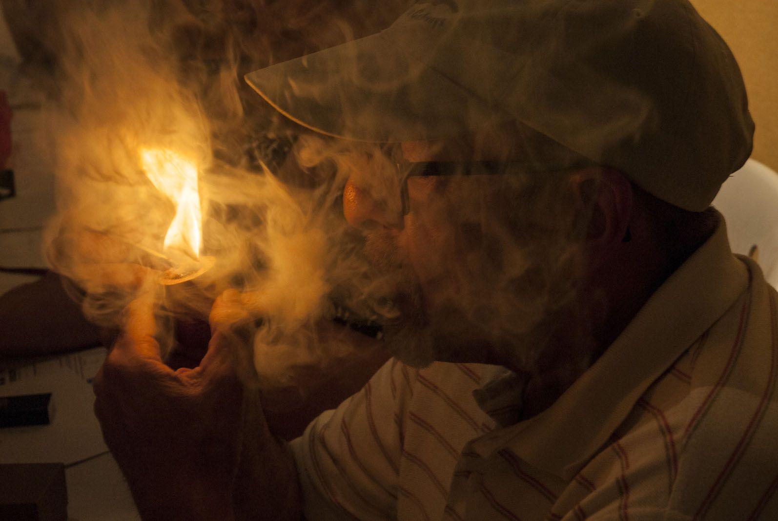 Fumada Lenta de Pipa, Ateneu. FOTO: Aïda Sotelo