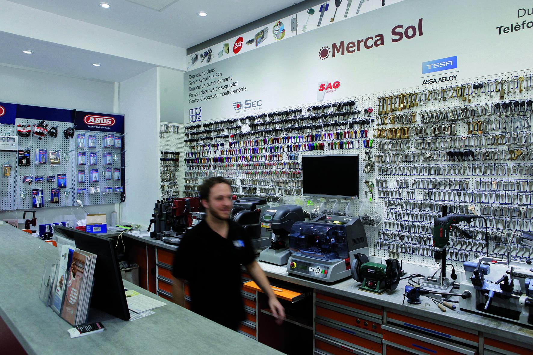 Merca Sol ofereix un servei de serralleria de 24 hores cada dia de l'any. FOTO: Artur Ribera