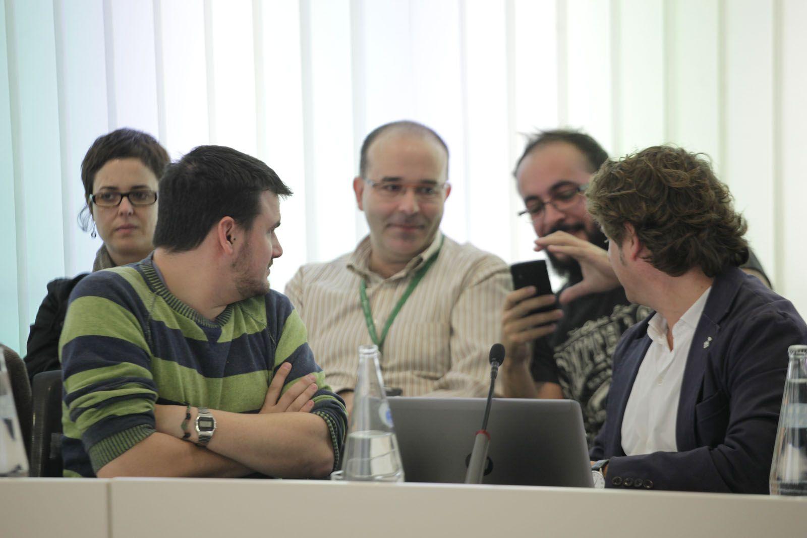 Ramon Gutierrez (ICV-EUiA) i Soler (PSC). FOTO: Artur Ribera