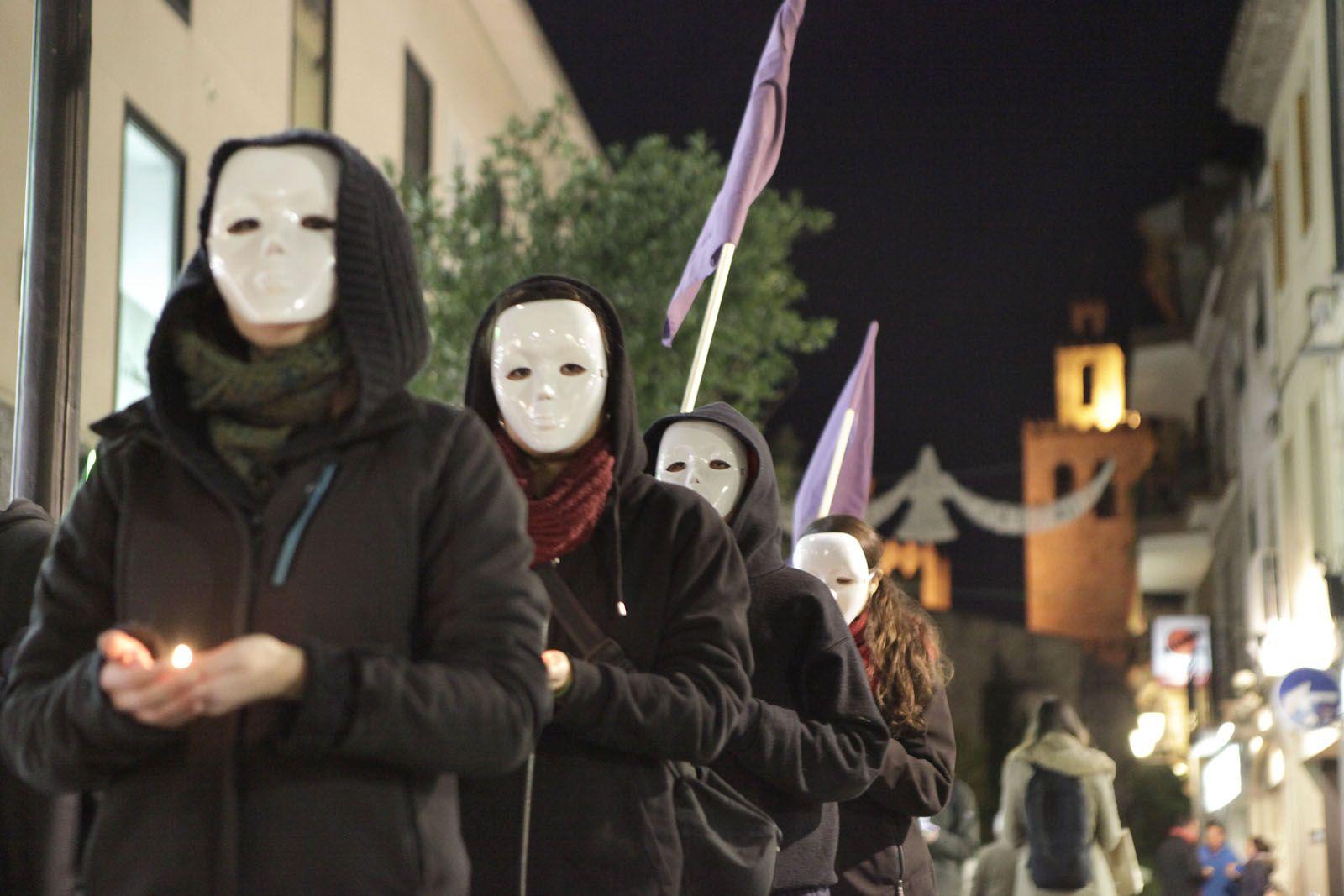 Hora Bruixa i Arran han sortit als carrers de Sant Cugat  FOTO: Artur Ribera