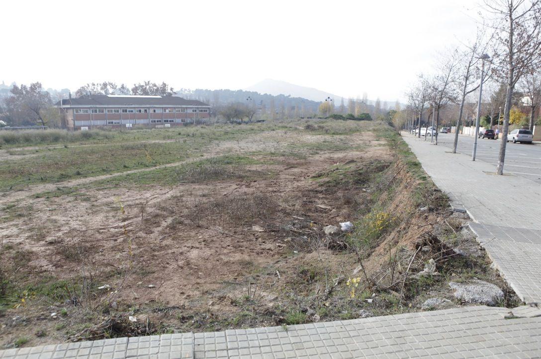 La zona esportiva estarà darrere de l'escola Catalunya FOTO: Artur Ribera
