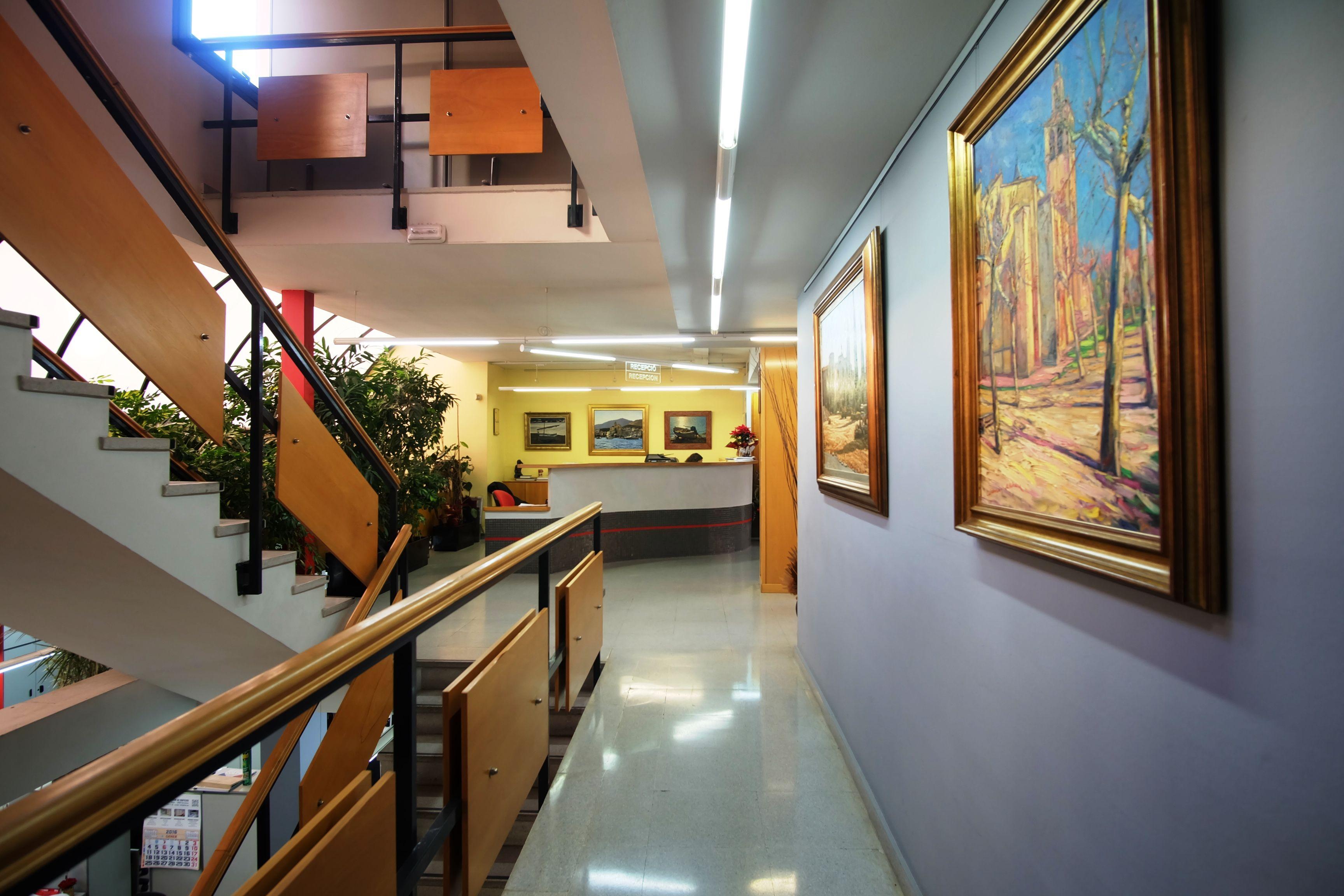 Fotografia de l'interior de la immobiliària