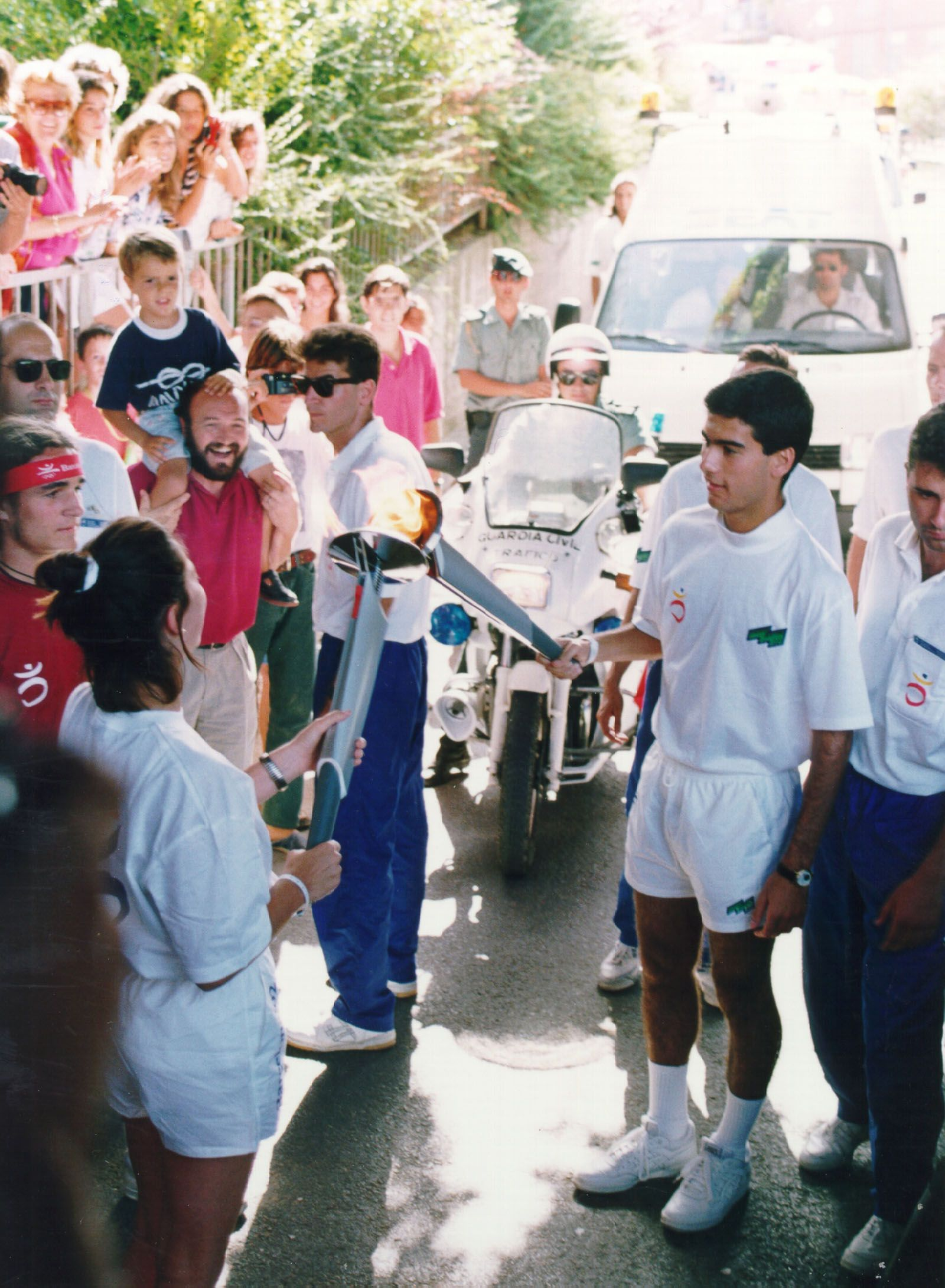 Un jove Pep Guardiola en el relleu de la torxa a Sant Cugat FOTO: Cedida
