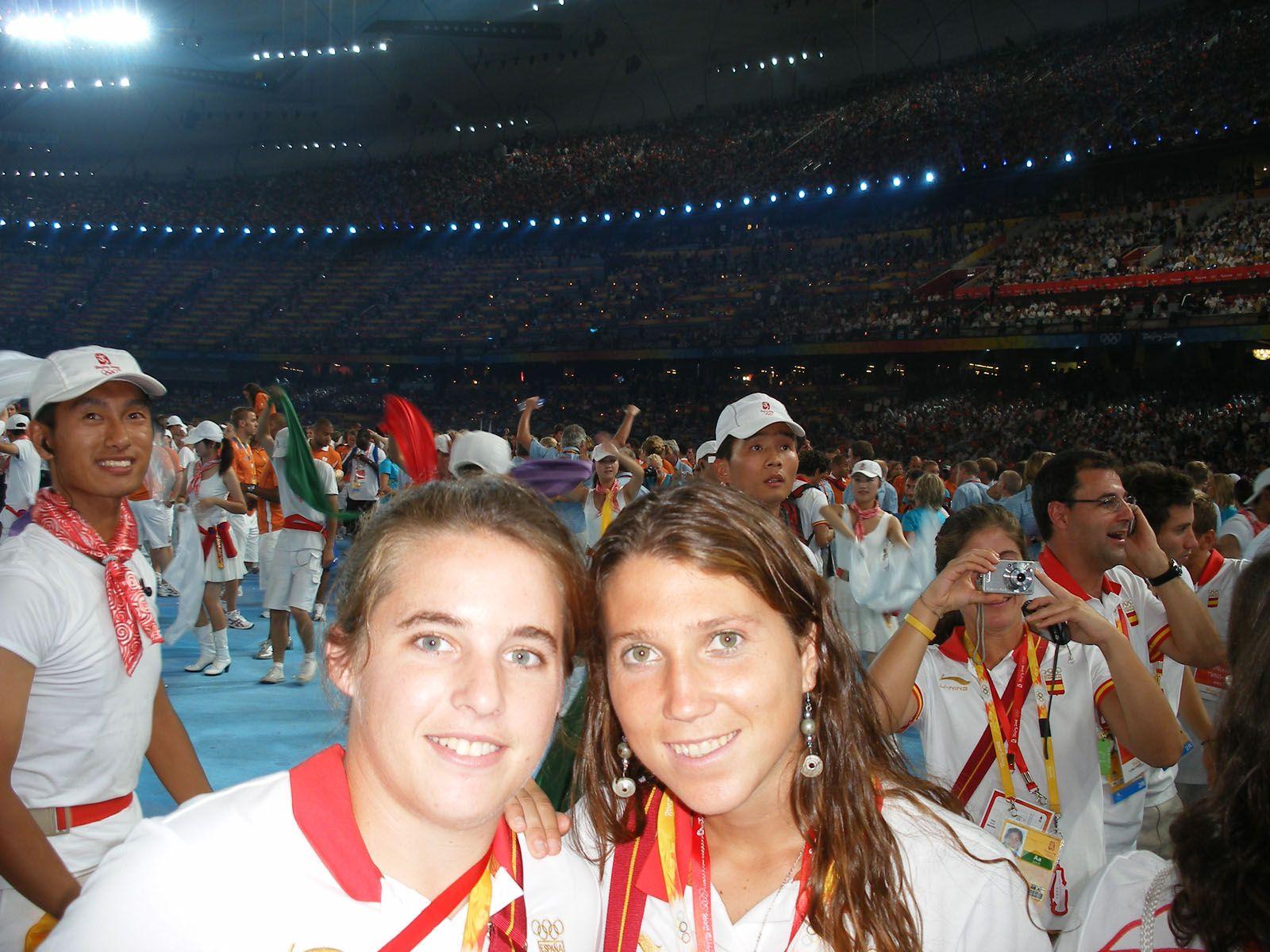 Les santcugatenques Maria Romagosa i Júlia Menéndez van participar a Pequín amb la selecció d'hoquei FOTO: Cedida