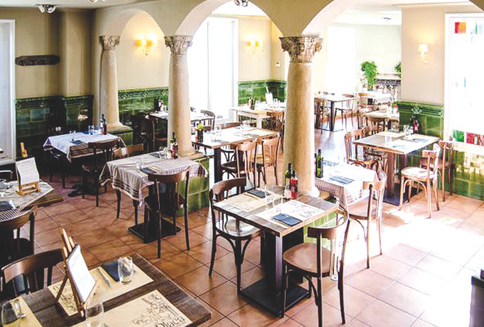 El restaurant La plaça se situa a la mítica plaça d'Octavià FOTO: Cedida