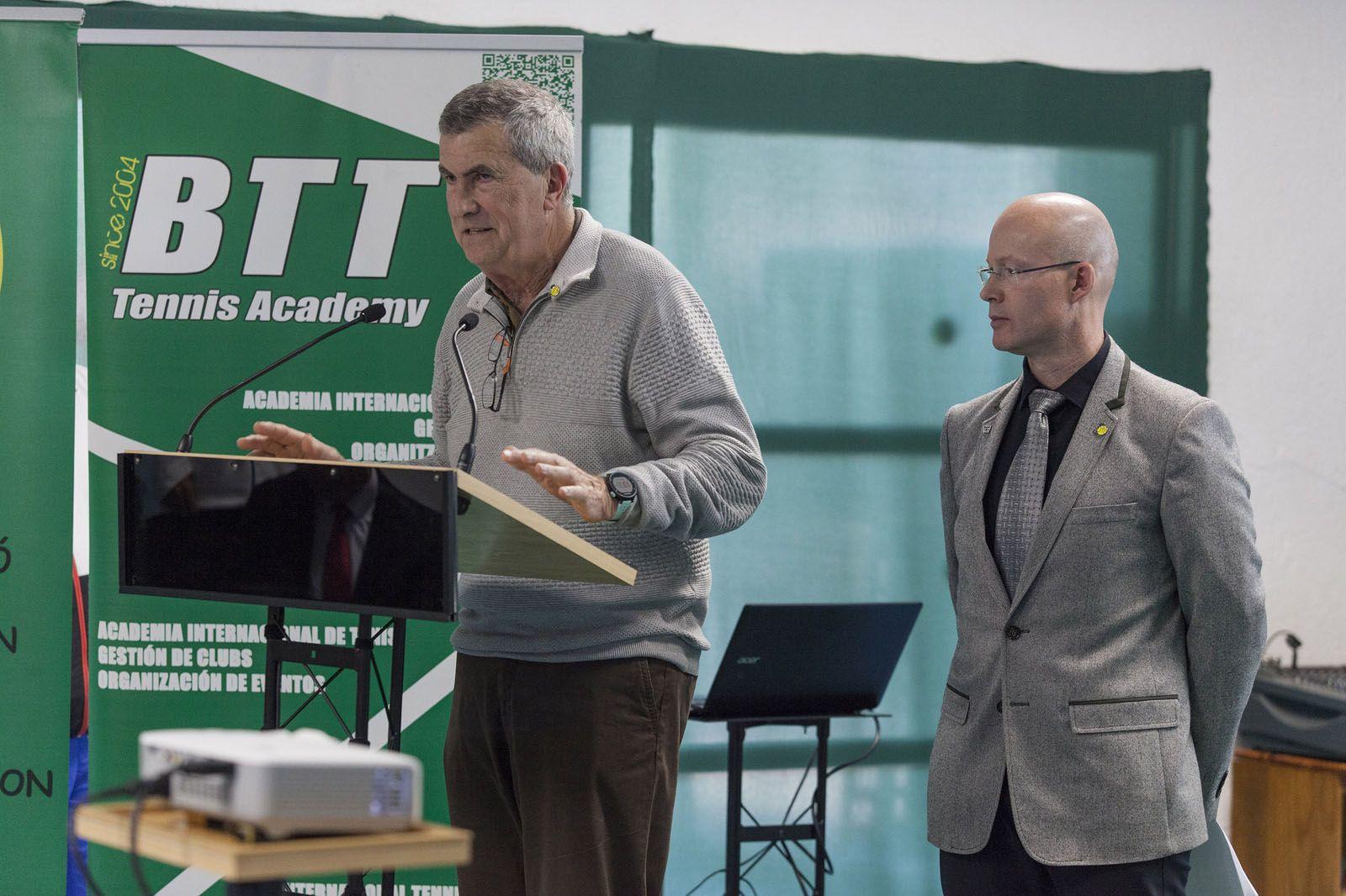 Albert Riba i Rafa Vila han presentat els 26 actes del 50è aniversari del club. FOTO: Localpres