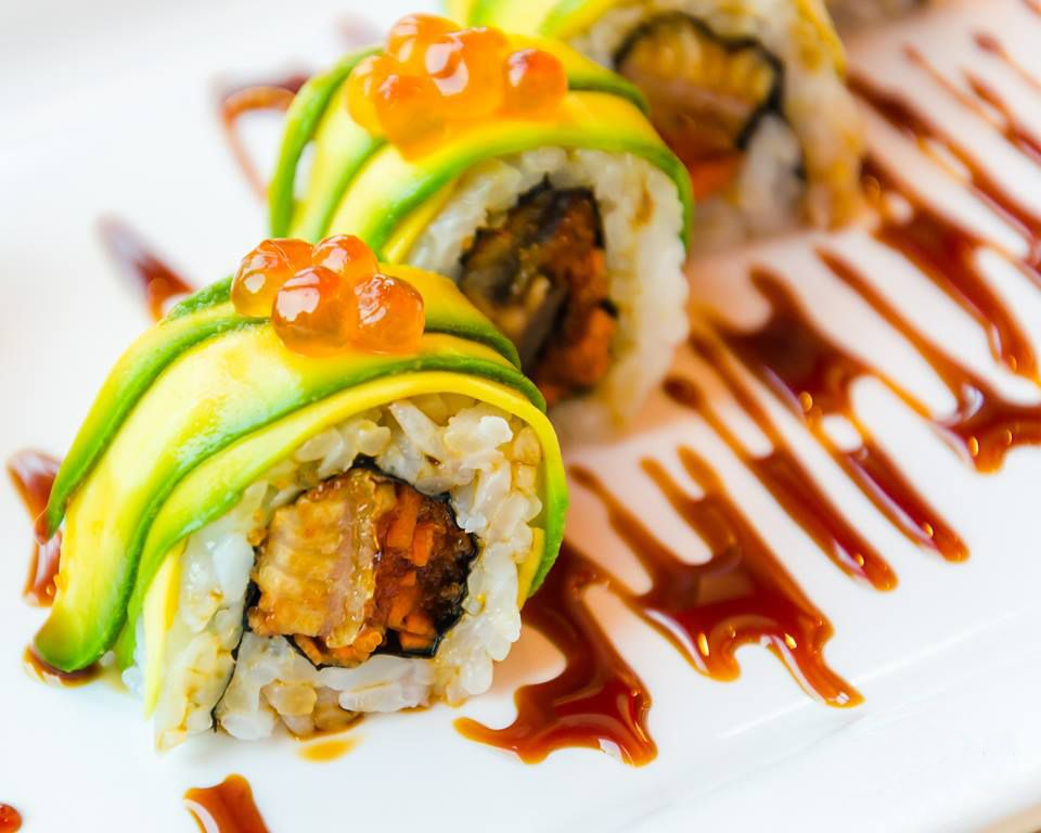 Makis, nigiris, tartars, futomakis, uramakis, entre altres varietats i postres de Nobi Sushi FOTO: Cedida