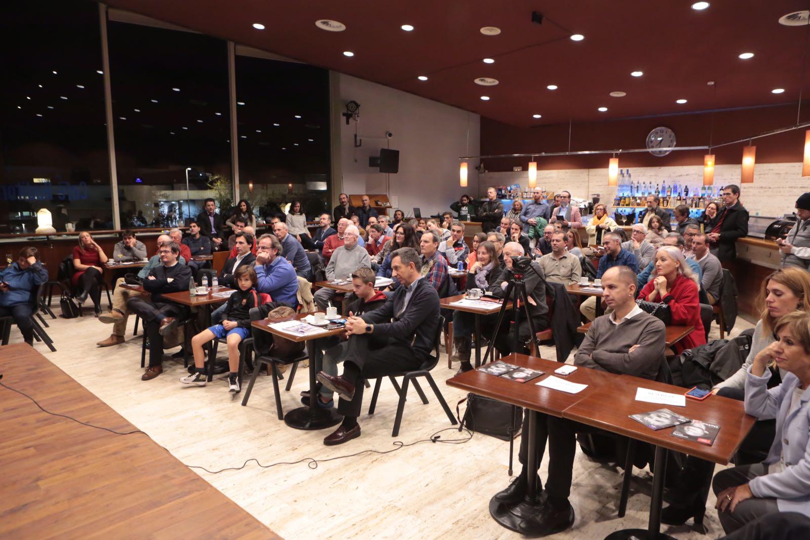 A la presentació, que s'ha fet al Cafè-Auditori del Teatre-Auditori, hi han assistit unes 120 persones. FOTO: Artur Ribera
