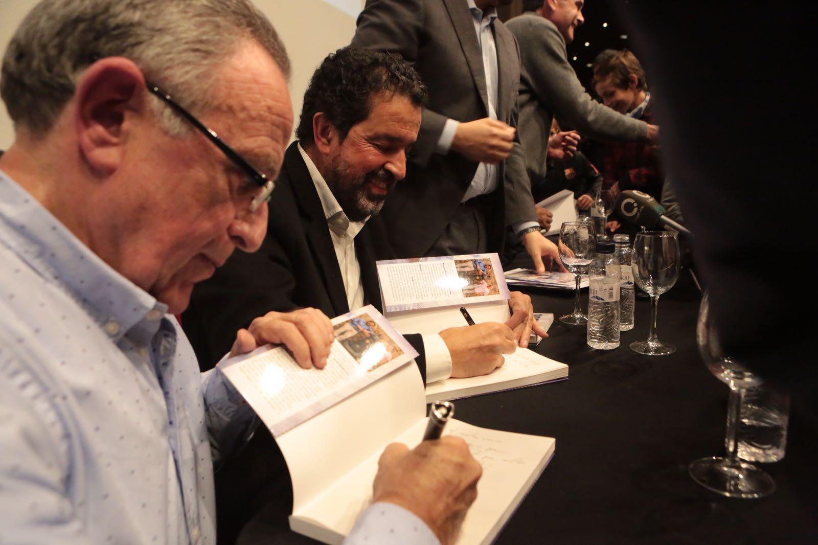 Manuel Moreno i Jordi Robirosa han signat molts llibres. FOTO: Artur Ribera