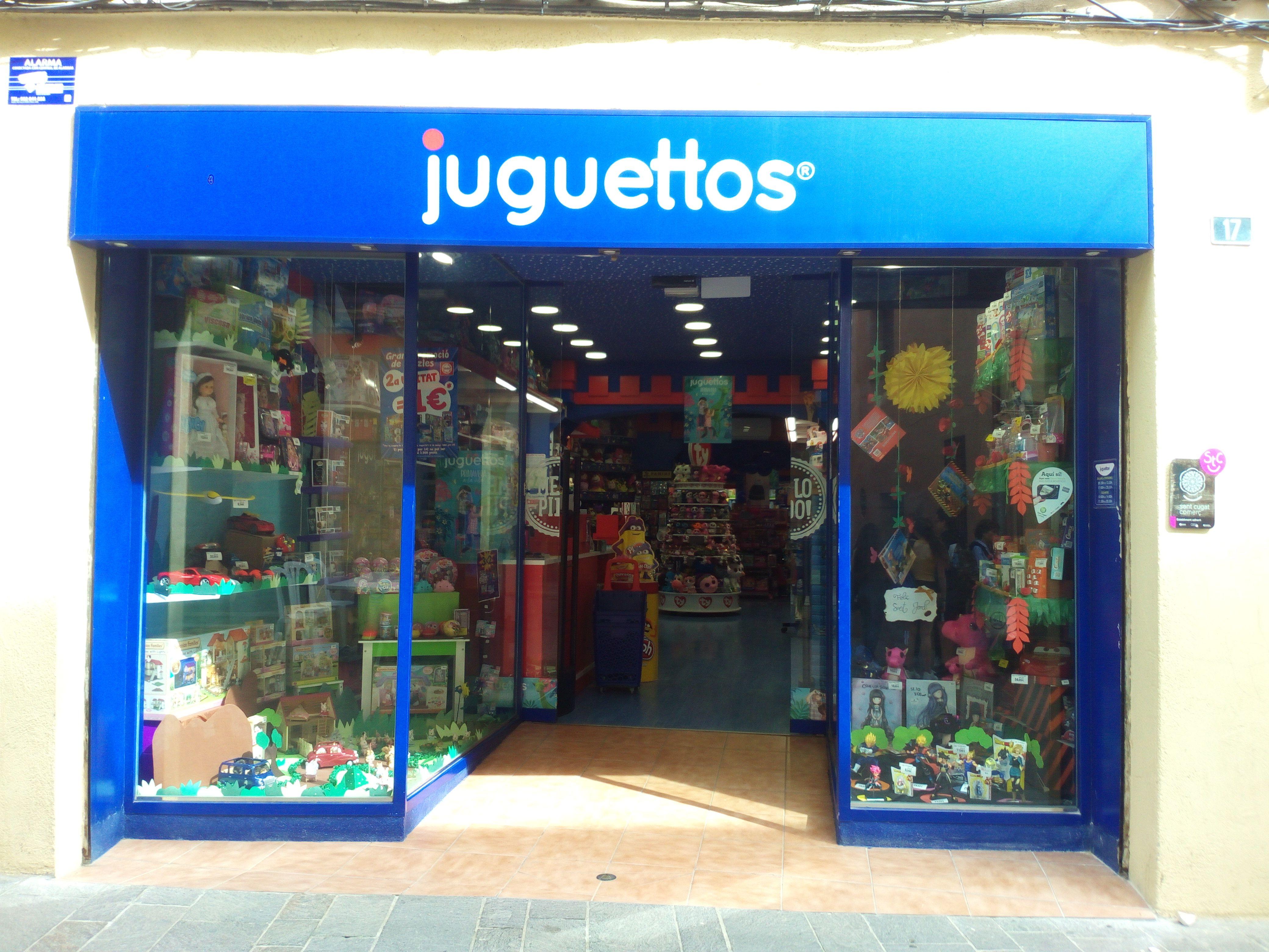 La botiga Juguettos està ubicada al carrer Major, a pocs metres del Monestir. FOTO: Cedida