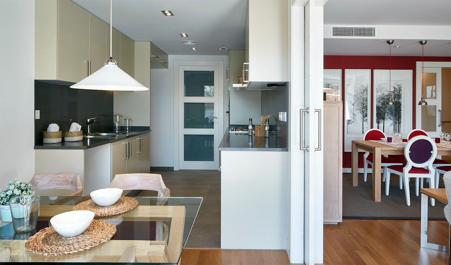 Les llars compten amb unes cuines totalment equipades FOTO: Cedida