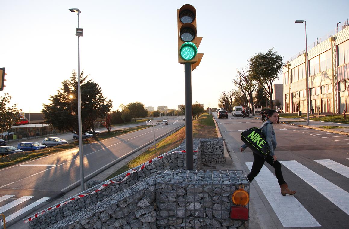 La carretera de Rubí, pas complicat per ciclistes i vianants. FOTO: Lali Puig