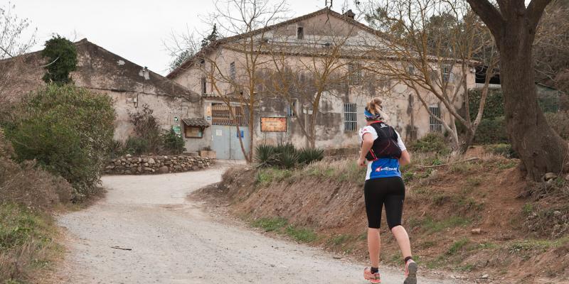 Camí de Can Borrell, abans de la masia FOTO: Artur Ribera