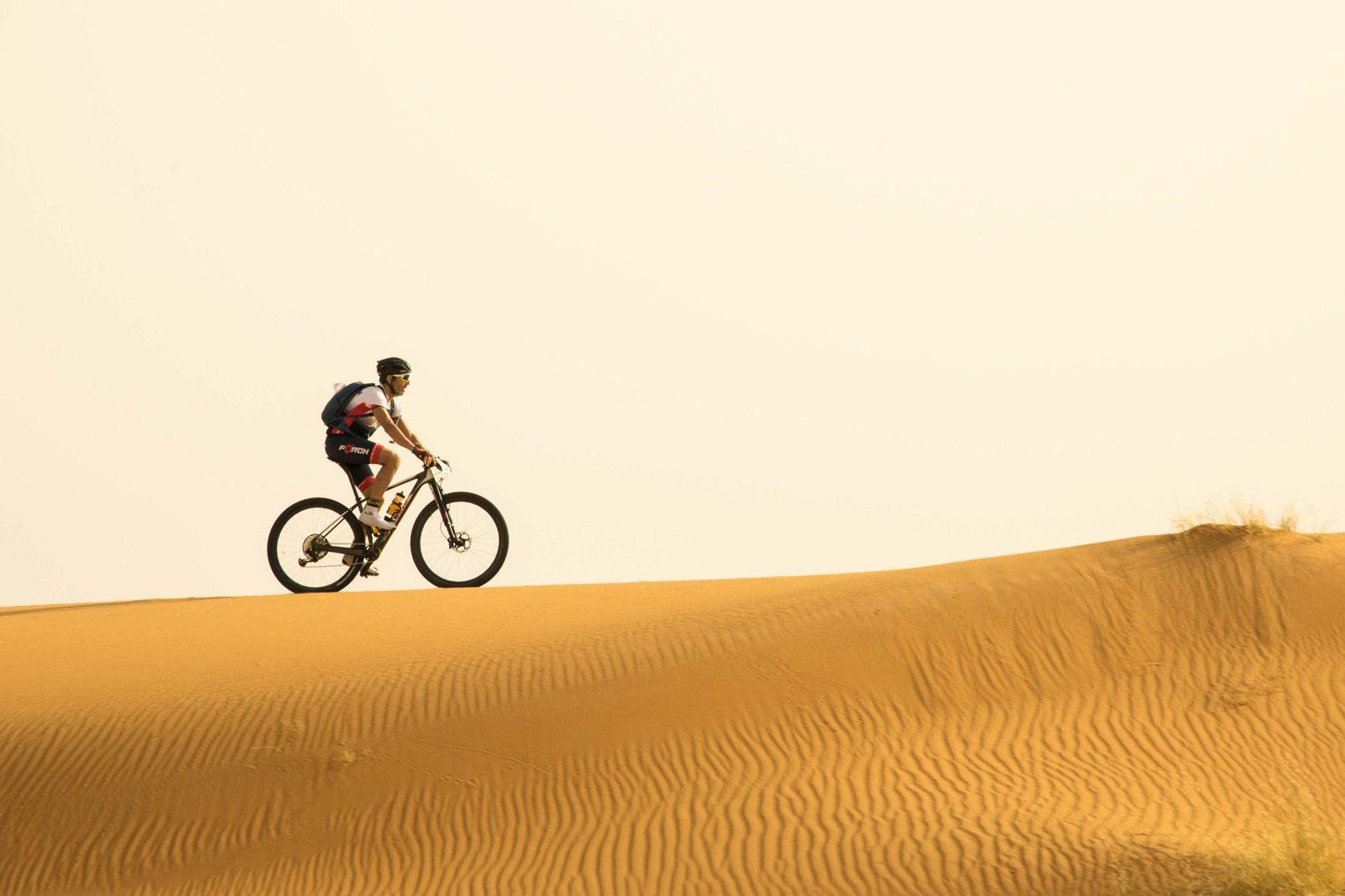 "3r Premi categoria Esports. ""Surfing dunes"" de Carlos Pallarés."