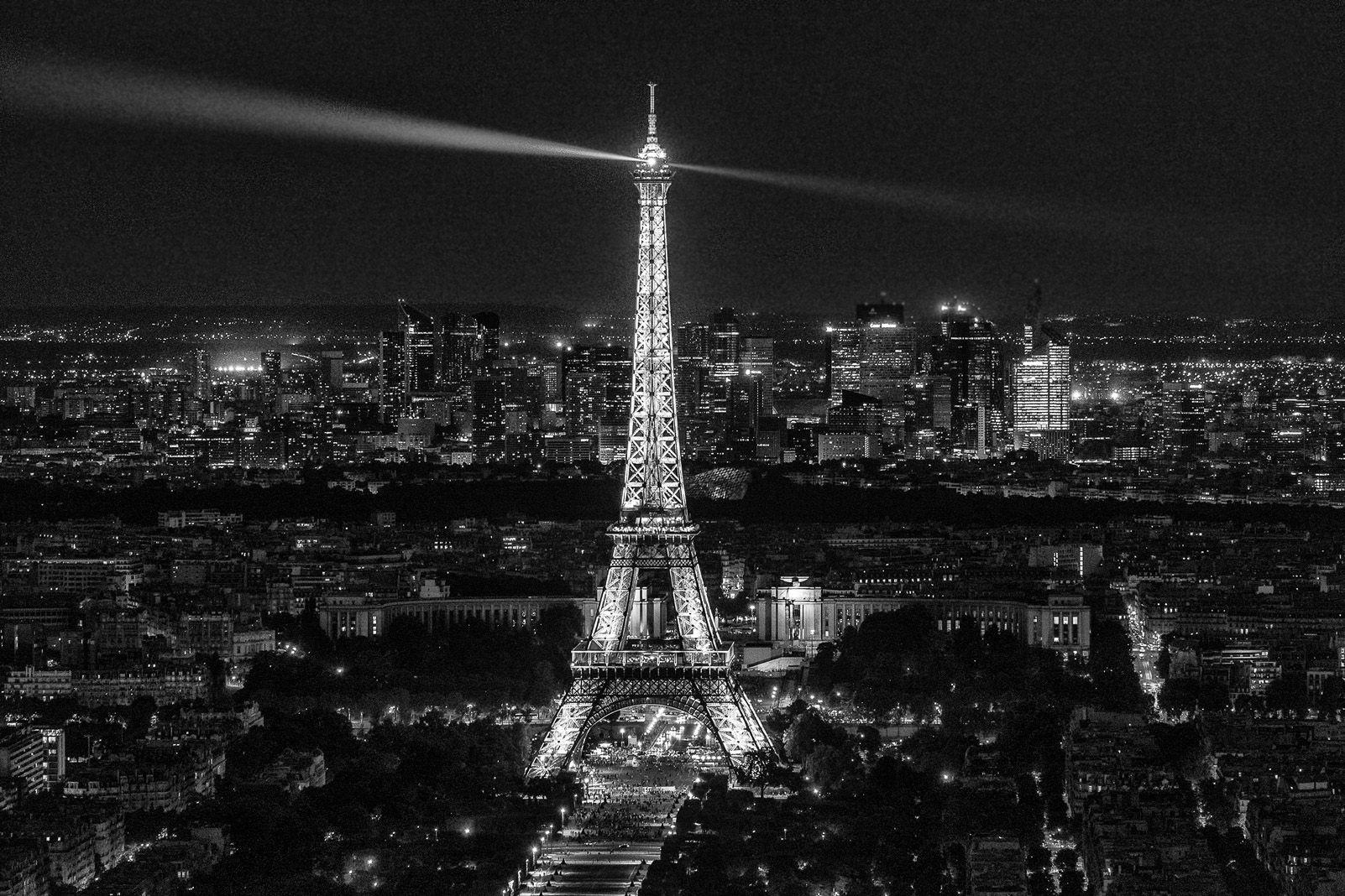 "3r Premi categoria Viatges. ""París la nuit"" de Cristina Martinez."