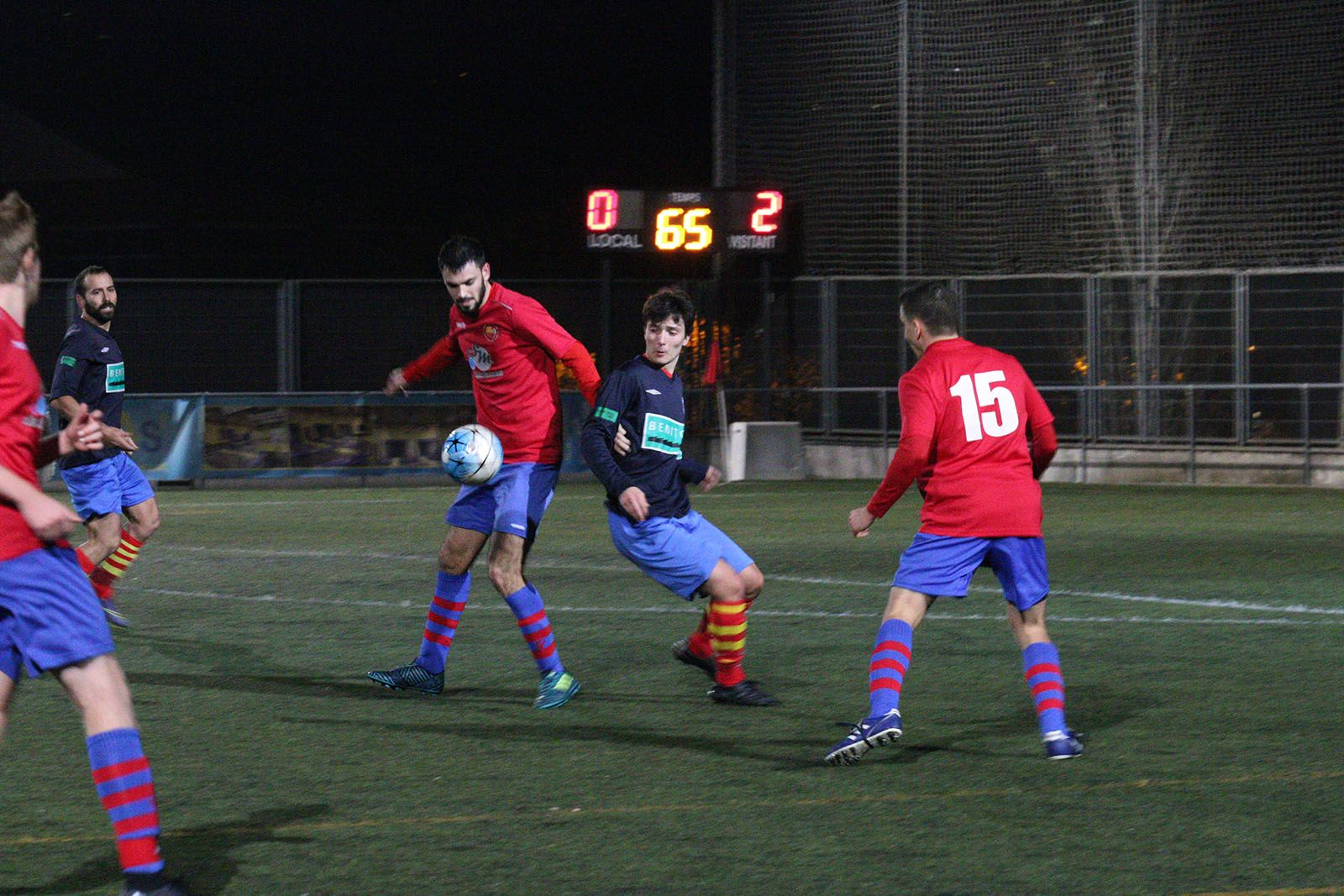 Lliga de futbol: Penya Blaugrana Sant Cugat-UE Tona B. Foto: Lali Álvarez