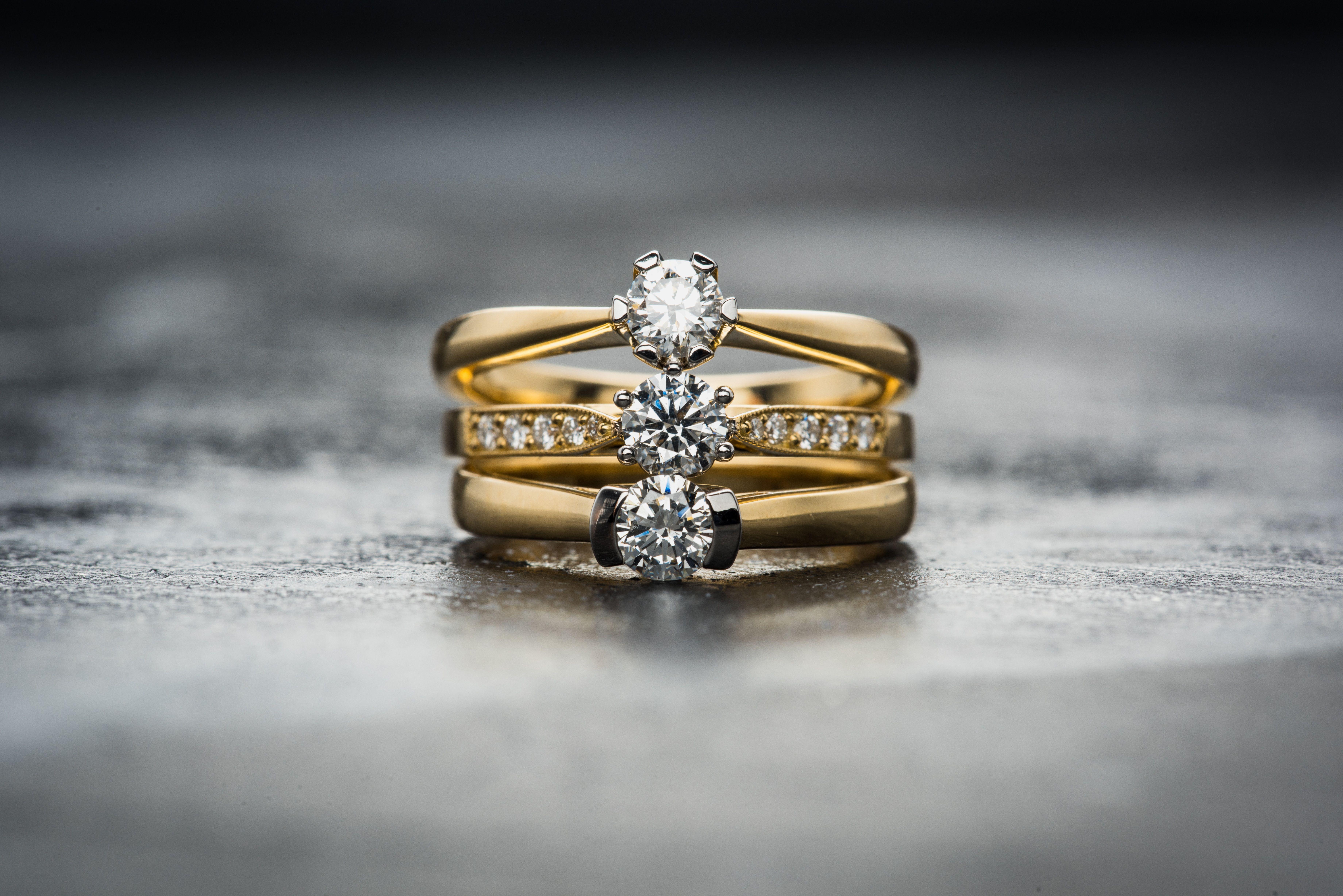 Compren Plata i diamants. FOTO: Jacek Dylag / Unsplash