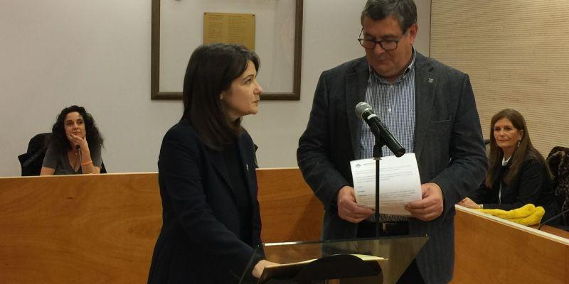 Neus José Rodríguez en el moment de prometre el càrrec. FOTO: C.Caballé