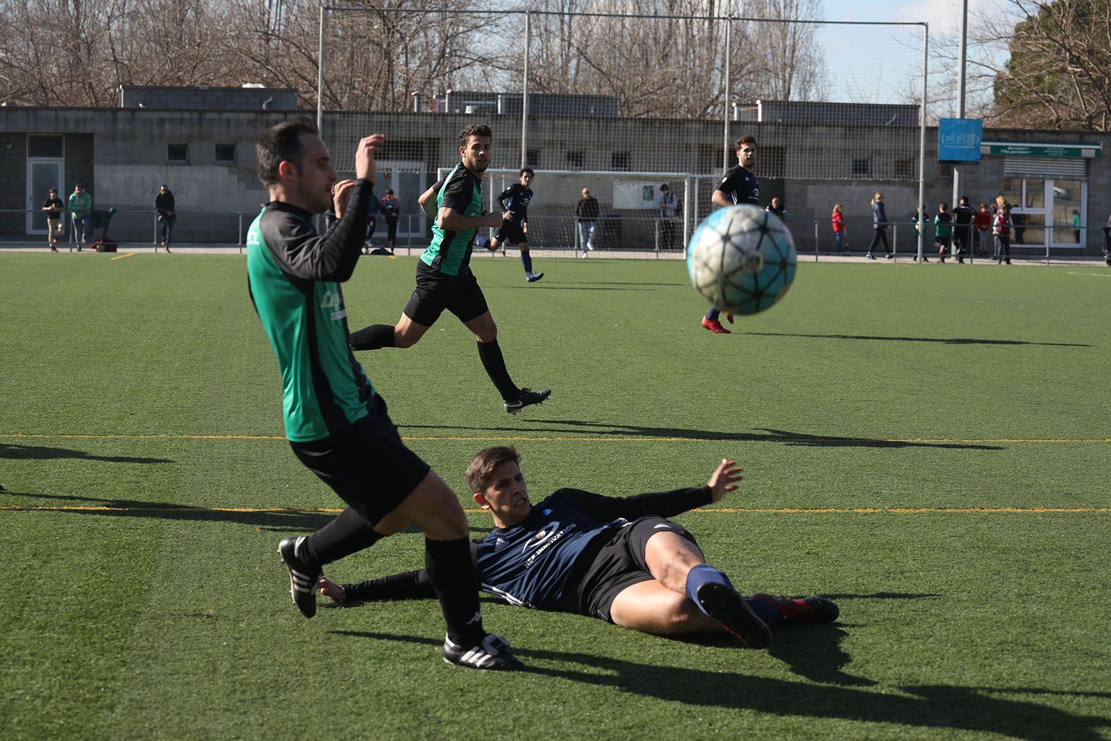 Derbi CFU Mira-sol Baco-Junior FC. Foto: Lali Álvarez