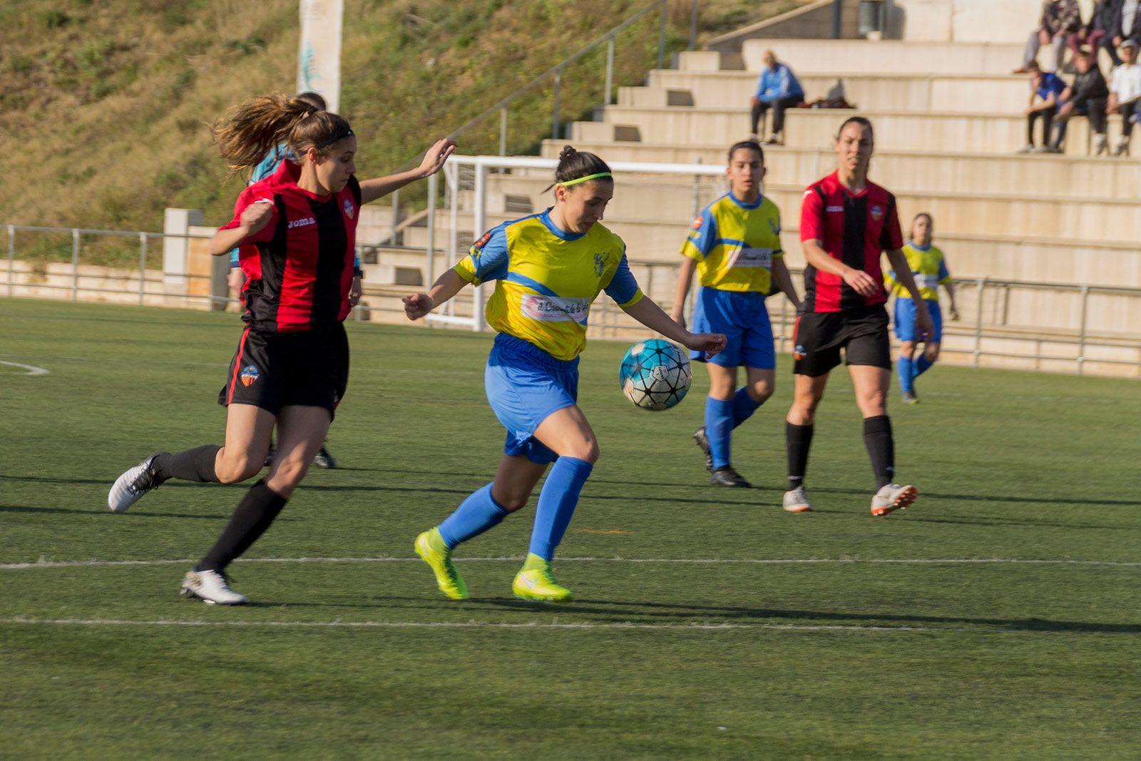 Partit de lliga Sant Cugat FC - CD Fontsana-Fatjó. FOTO: Paula Galván
