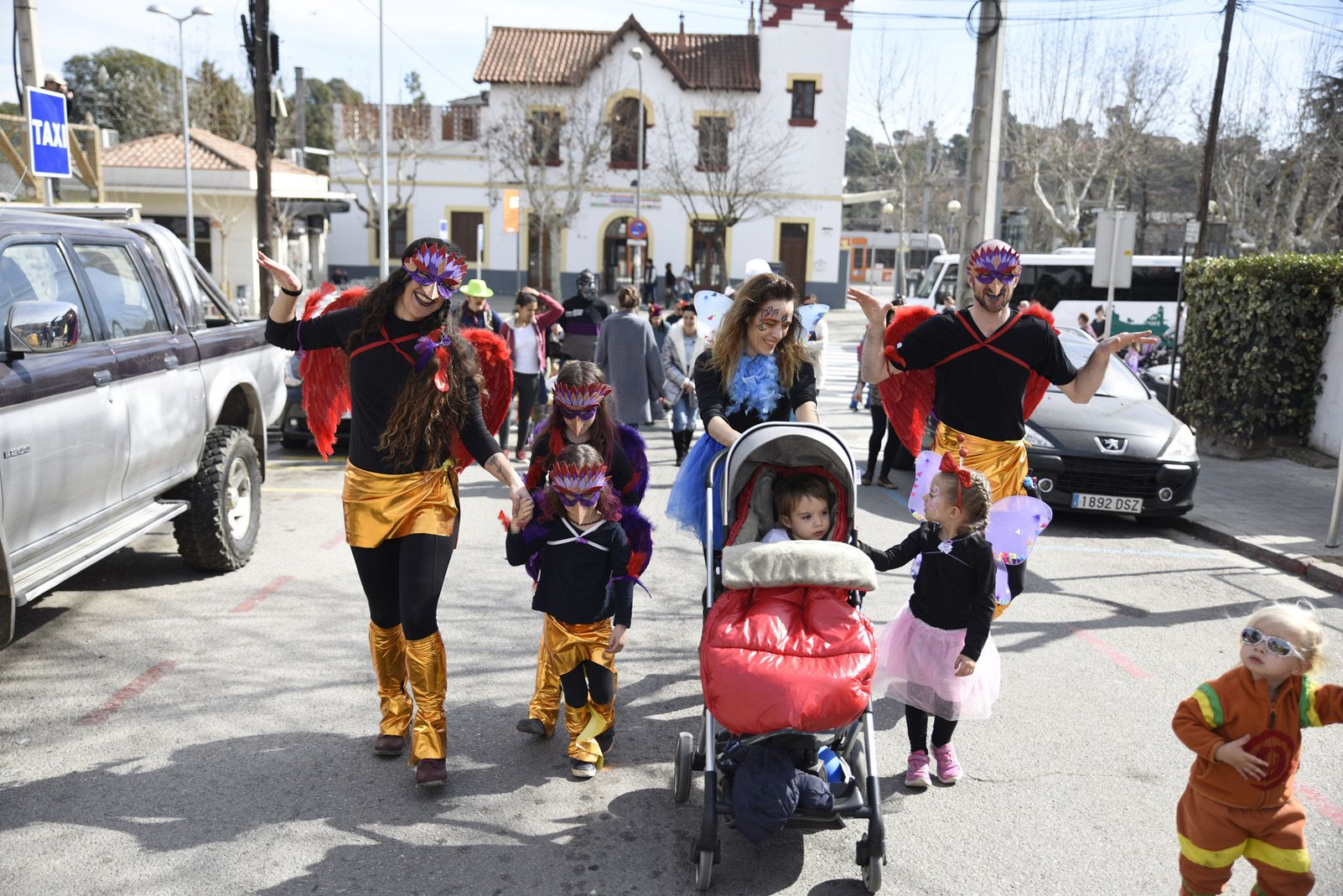 Rua de Carnaval a Valldoreix. Foto: Bernat Millet.