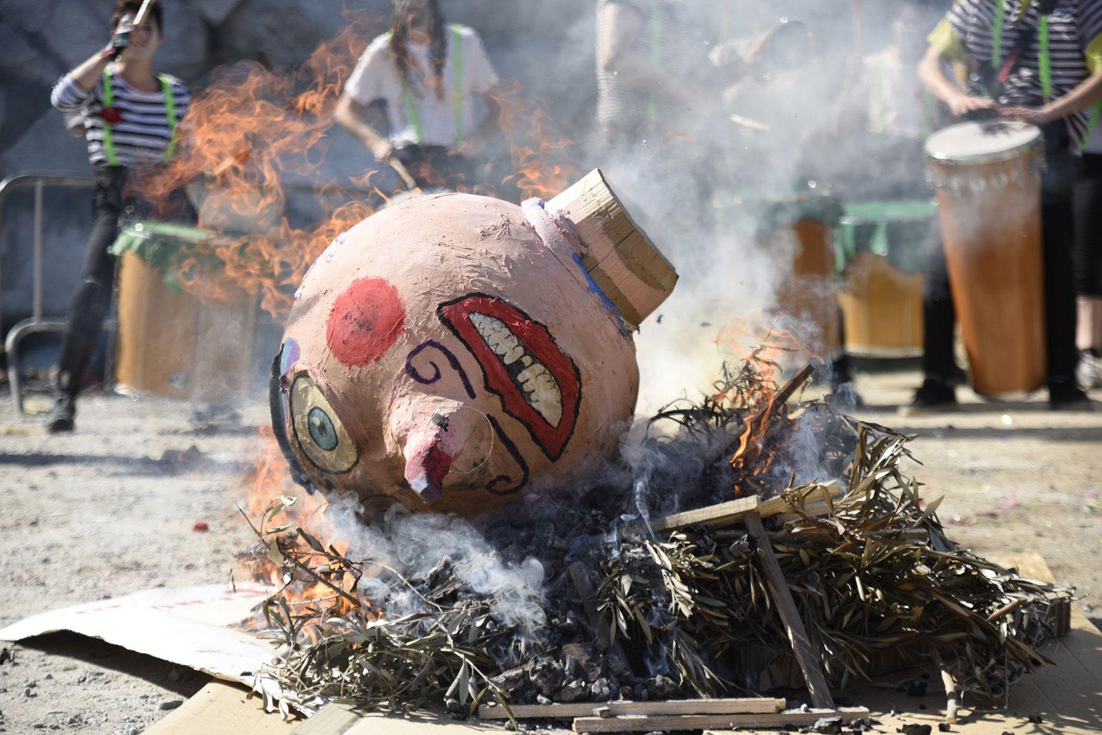 Judici del Rei Carnestoltes al Carnaval de Les Planes. Foto: Bernat Millet.