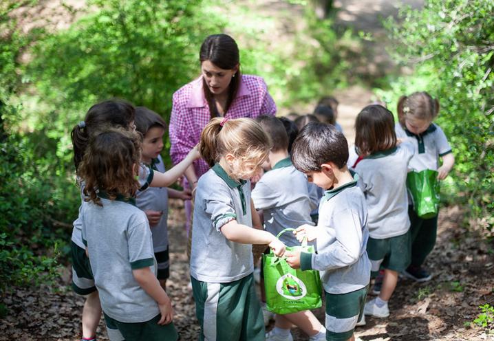 L'aula al bosc és un entorn totalment diferencial de La Vall FOTO: Cedida