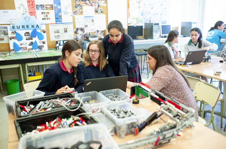 Un col·legi innovador. Laboratori de robòtica FOTO: Cedida