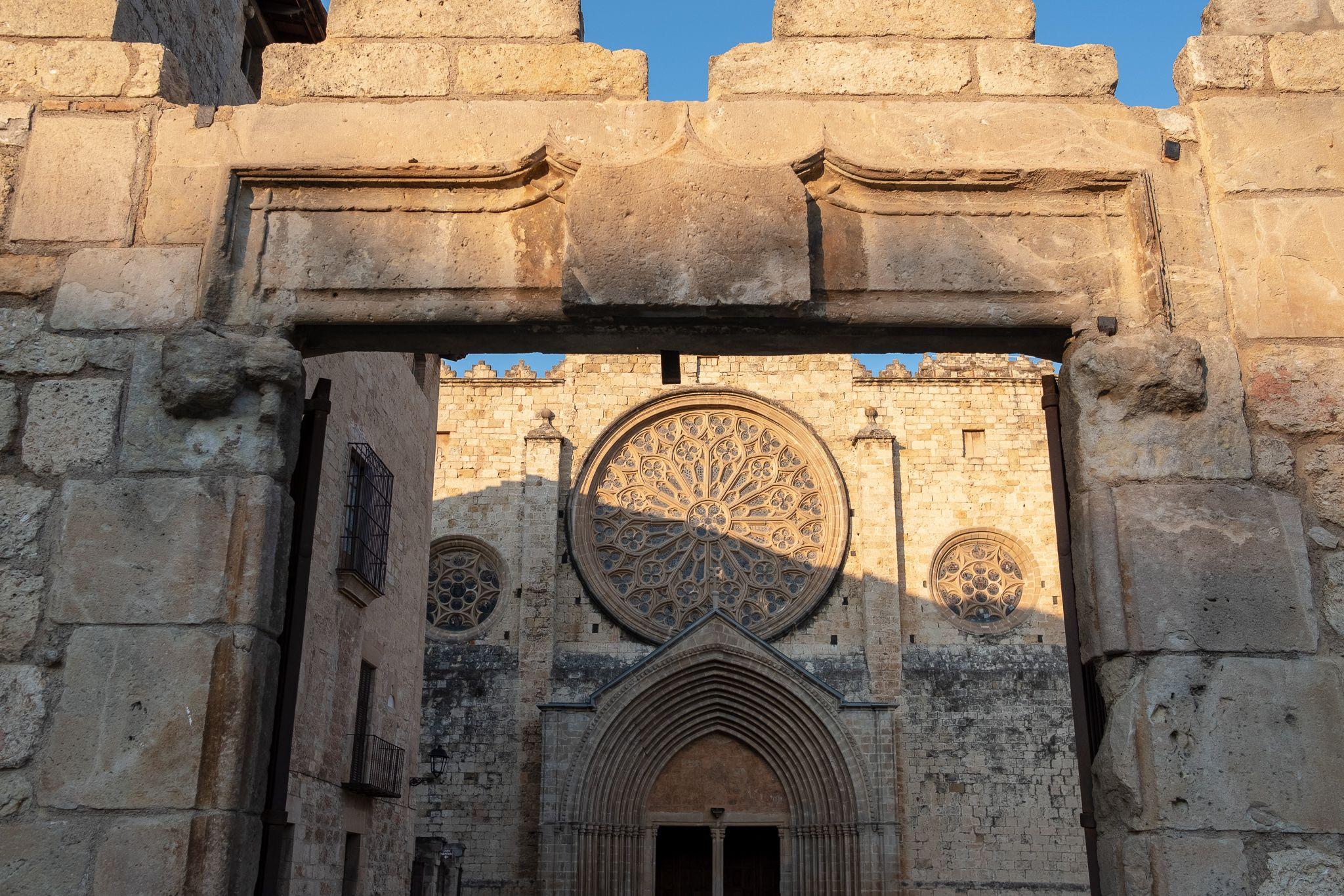 El monestir de Sant Cugat a la tarda. FOTO: Ale Gómez.
