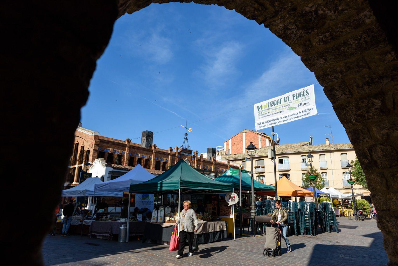 La plaça de Sant Pere acull el Mercat de Pagès els dijous Foto: Miguel López Mallach
