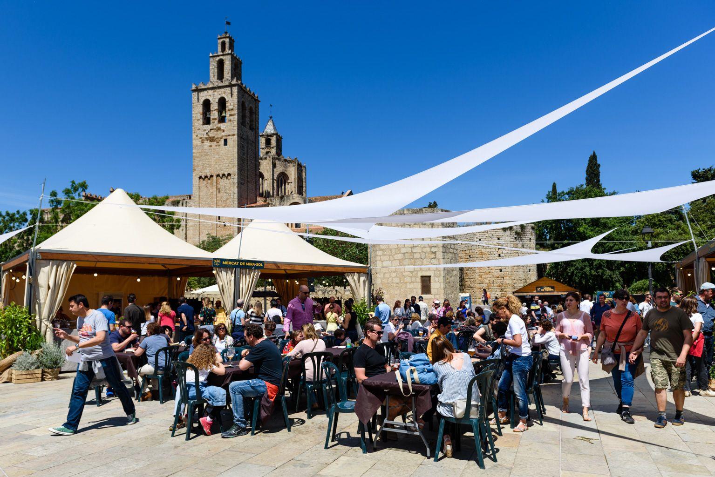 La plaça de l'U d'Octubre, espai de cervesa i vermut Foto: Miguel López Mallach
