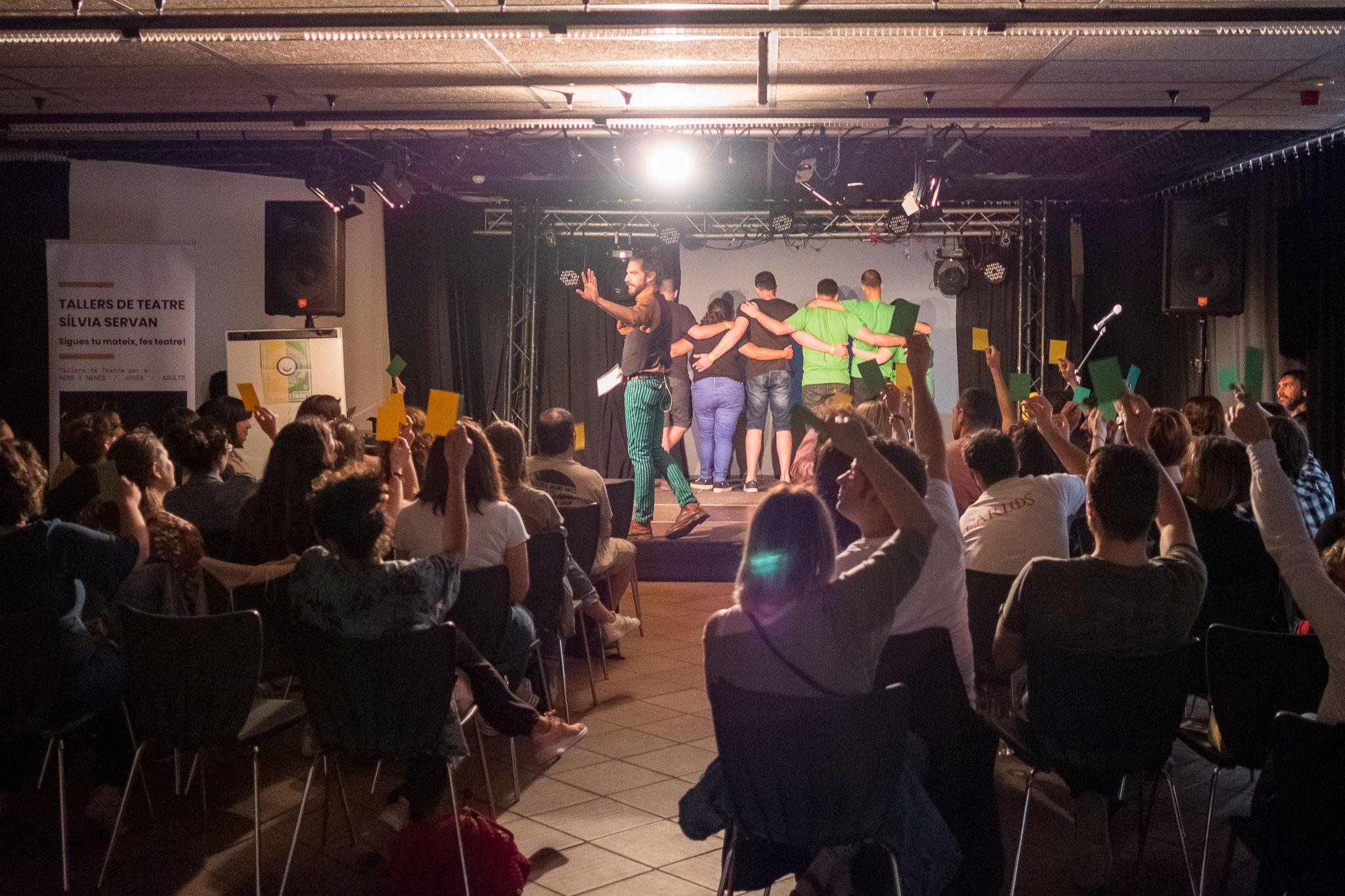 L'Improsionant: 4t Round! Lliga d'improvitzacions de Sant Cugat a partir dels títols del públic. FOTO: Ale G.