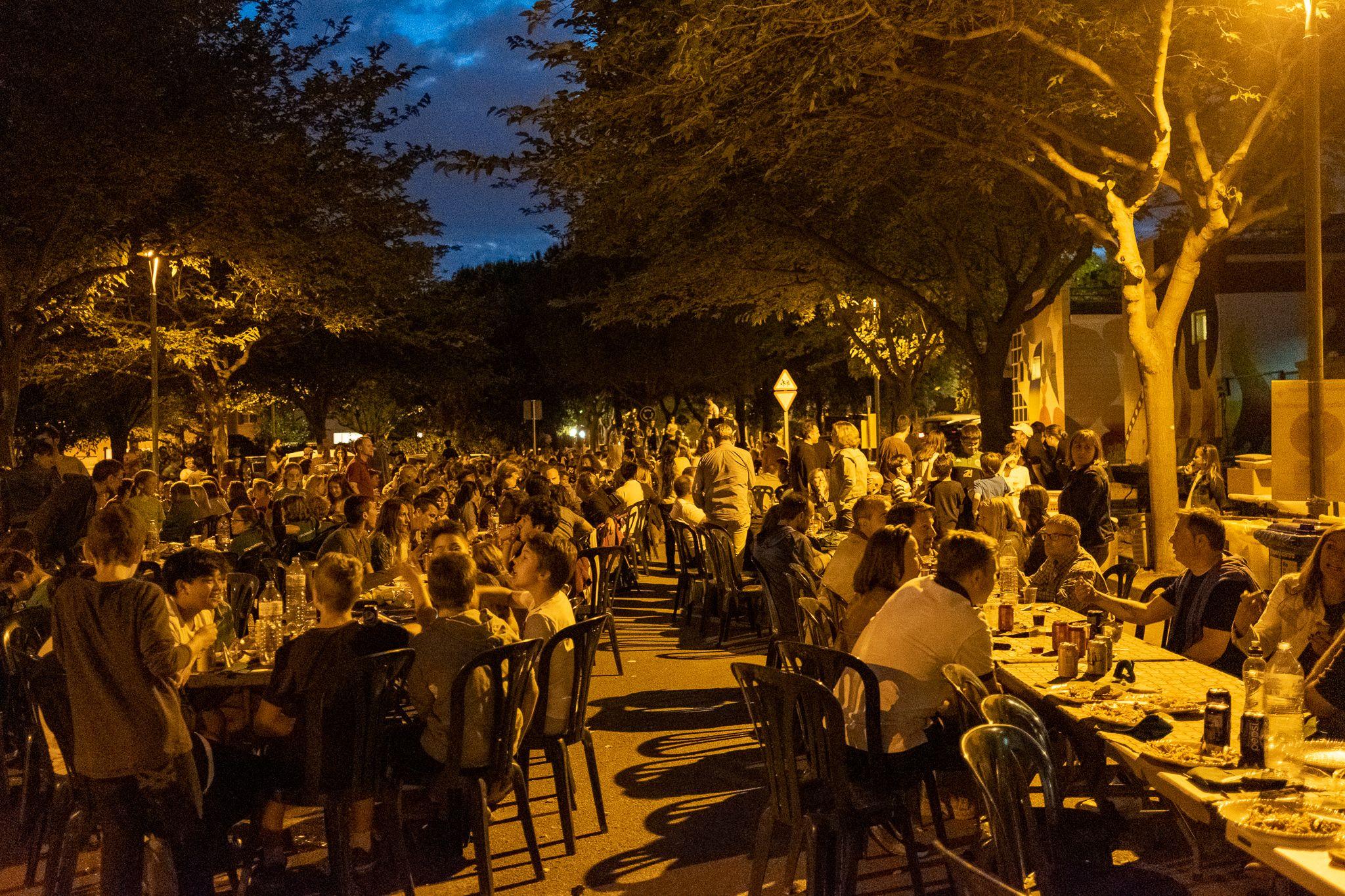 Festa dels Valors, al costat del camp de fútbol de Mira-sol. Foto: Ale G.