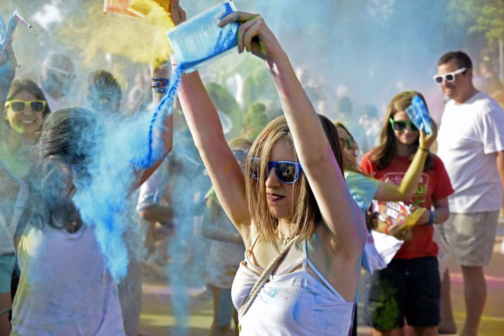Holi Festival de Festa Major. Foto: Bernat Millet.
