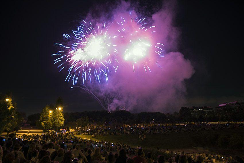 Castell de Focs de Festa Major. Foto: Bernat Millet.