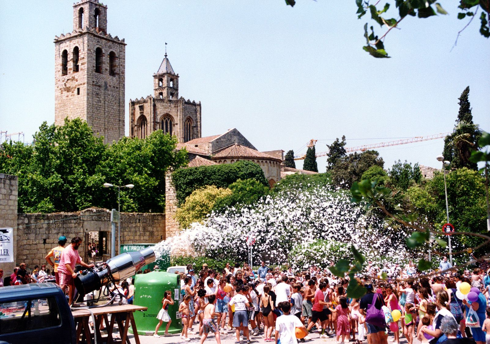Festa de l'escuma de Festa Major als anys 90. Foto: Arxiu.