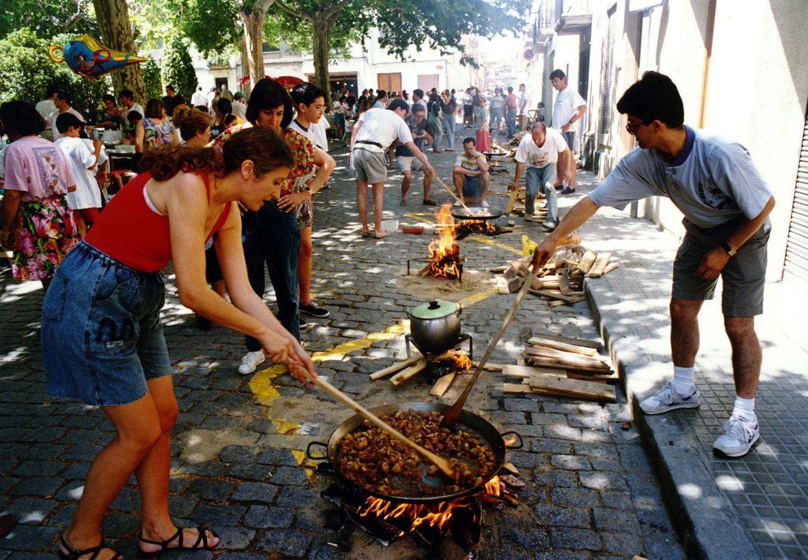 Concurs d'arrossos durant la Festa Major als anys '90. Foto: Arxiu.