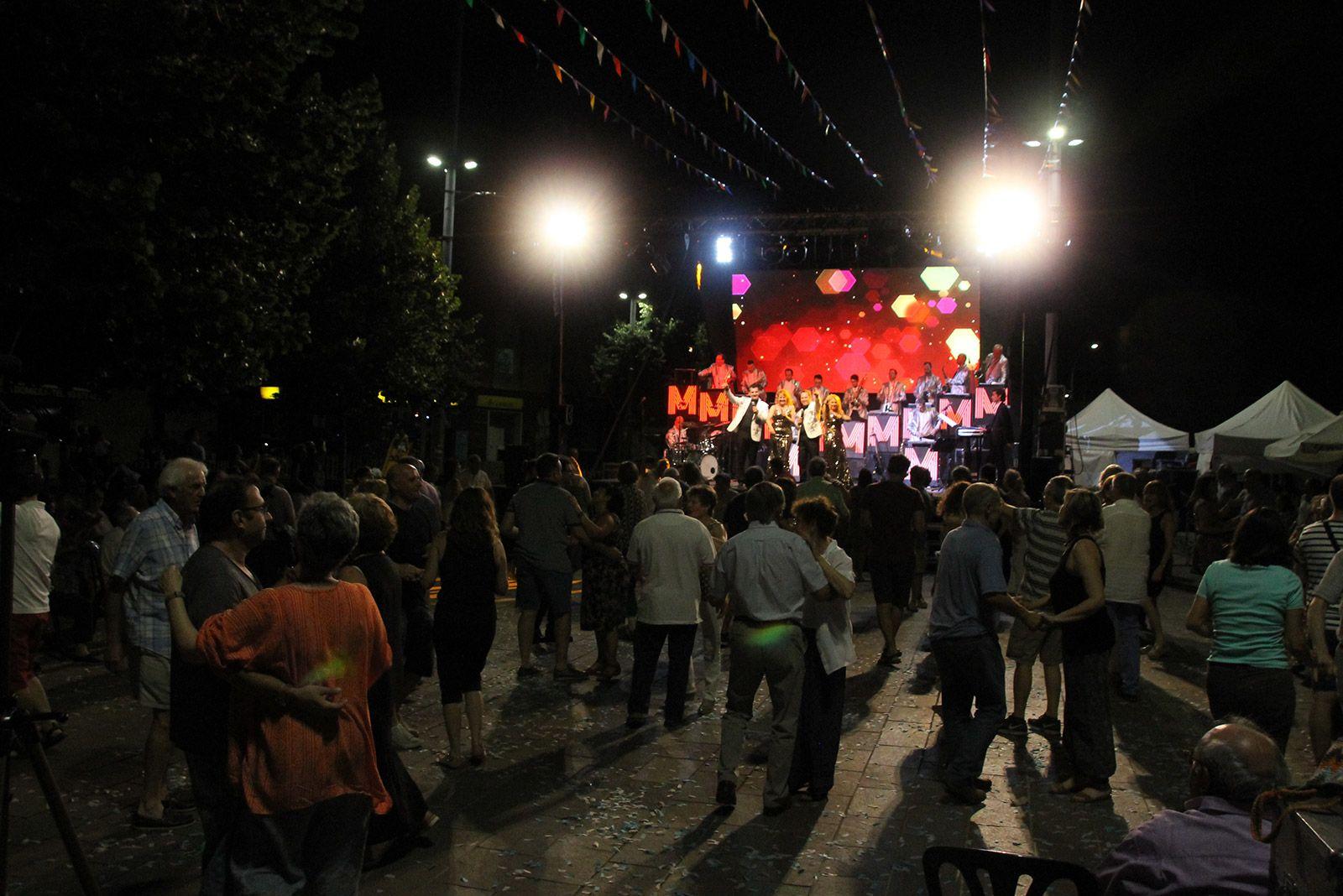 Ball d'envelat amb l'Orquestra Meravella. FOTO: Paula Galván