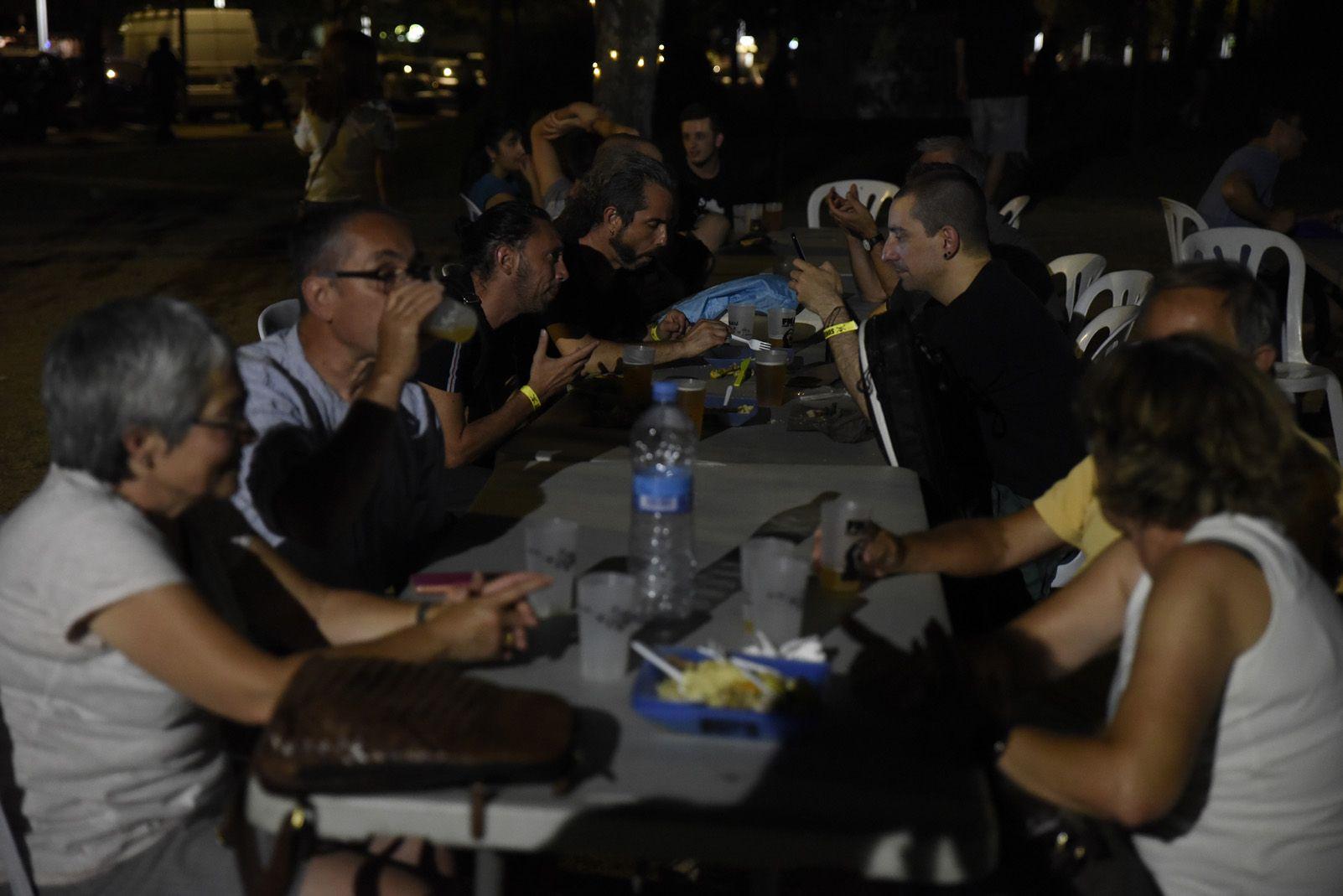 Sopar Islamic del Vallès de la Festa Major Alternativa. Foto: Bernat Millet.