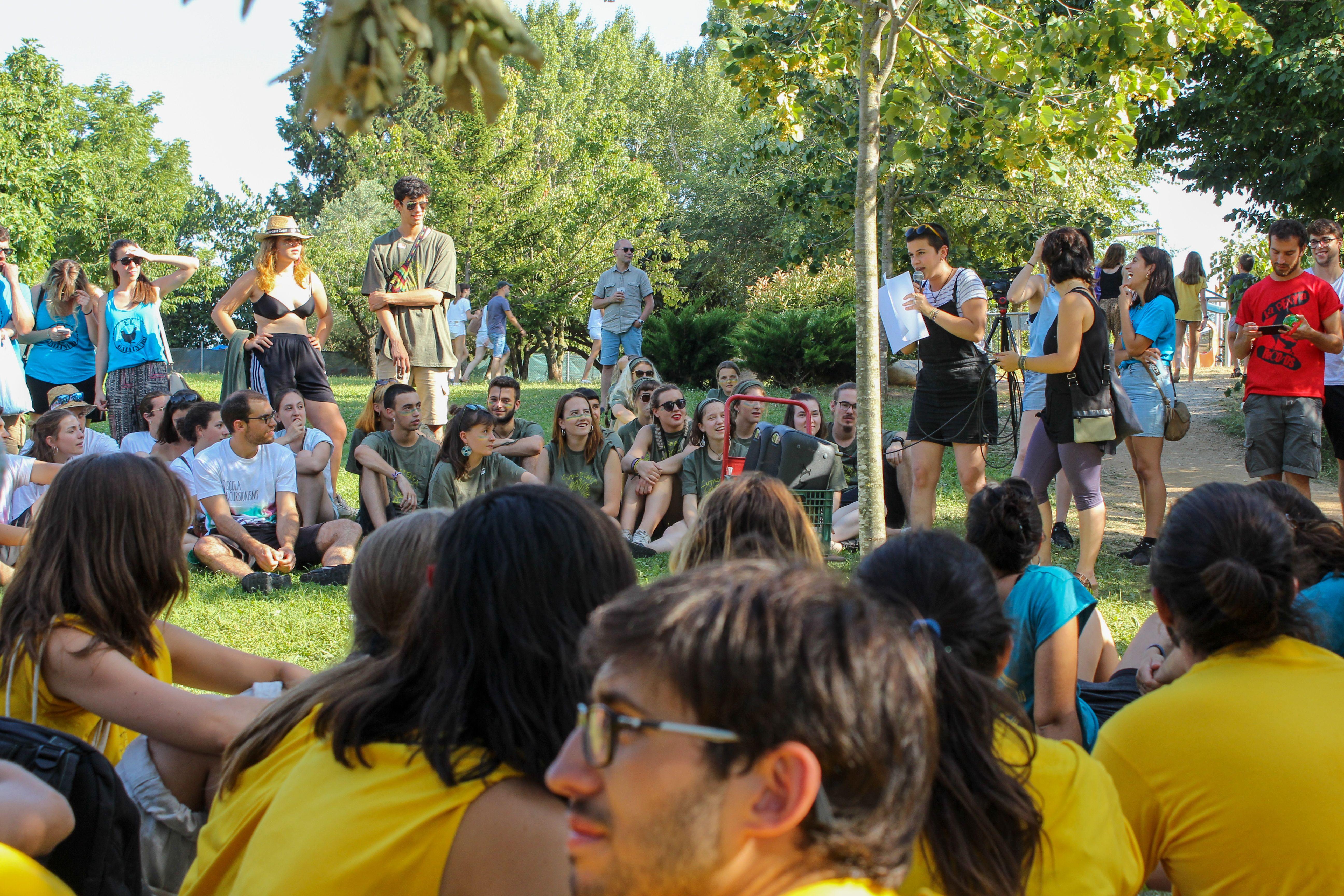Batalla de penyes a la FMA. Foto: Alex Gómez