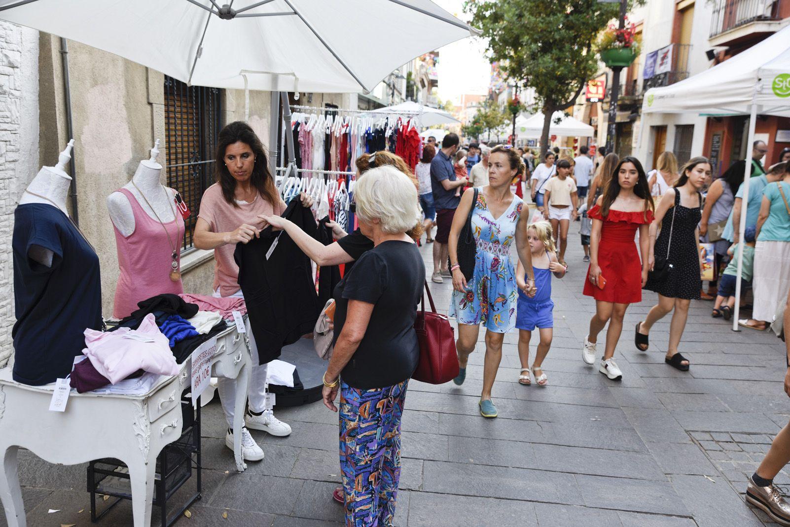 La botiga al carrer per Festa Major. Foto: Bernat Millet.